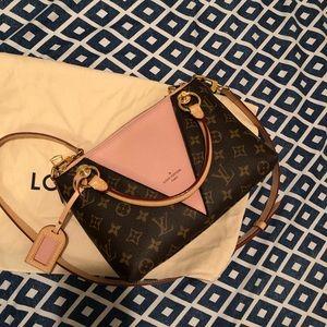 Louis Vuitton v tote BB